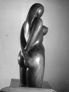 Jeune femme, olivier 1960