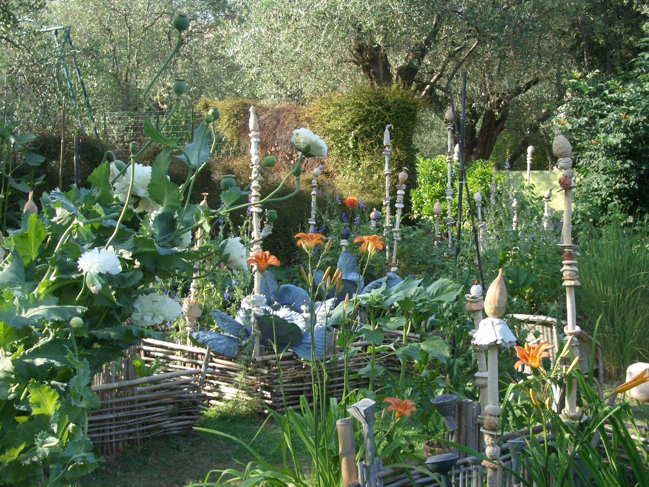 Jardin des fleurs de poterie site de gatti res for Fleuriste jardin des fleurs